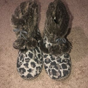 YOU CAN NEVER GO WRONG WITH A PAIR OF FLUFFY BOOTS